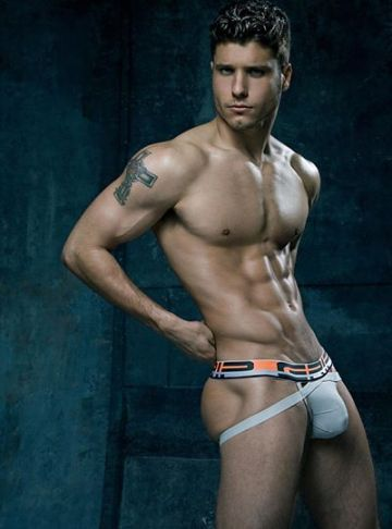 Cody-Calafiore-for-C-IN2-GRIP-ATHLETIC3