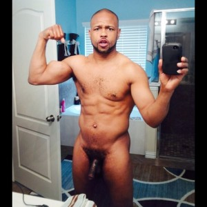 roy-jones-junior-nude-01-thumb-500x500-19253