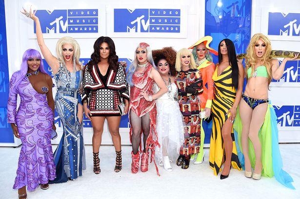 main-rupauls-drag-race-all-stars